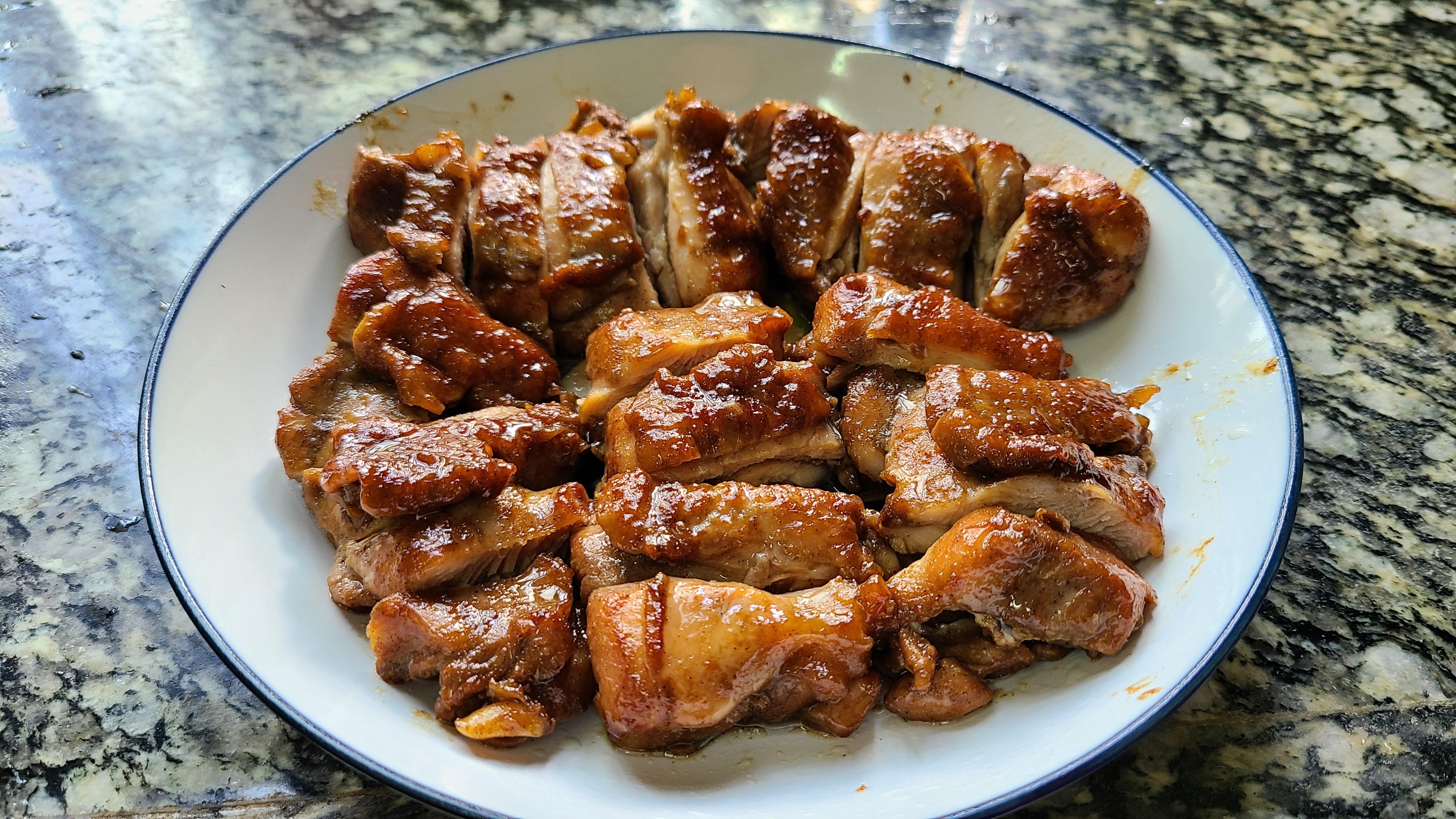 鸡腿别直接炖,广东人教我一个做法,美味好吃,每次都吃光