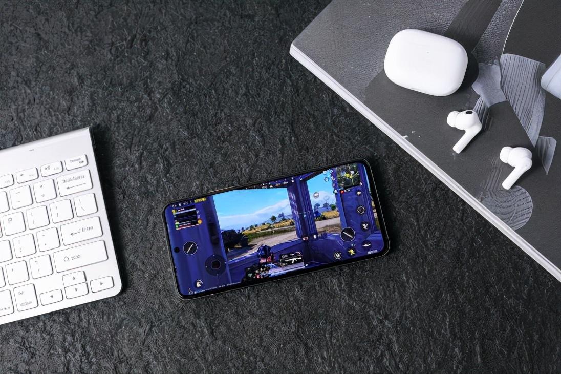 骁龙888+独立显示芯片,iQOO 8成为游戏爱好者最佳之选