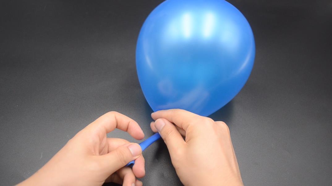 氣球打結還有小技巧,一秒一個,簡單好用還不疼,太省力了