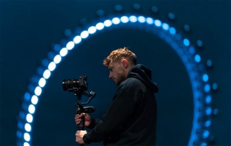 用上智云WEEBILL 2相机云台,轻松做摄影大师,视频想抖都很难