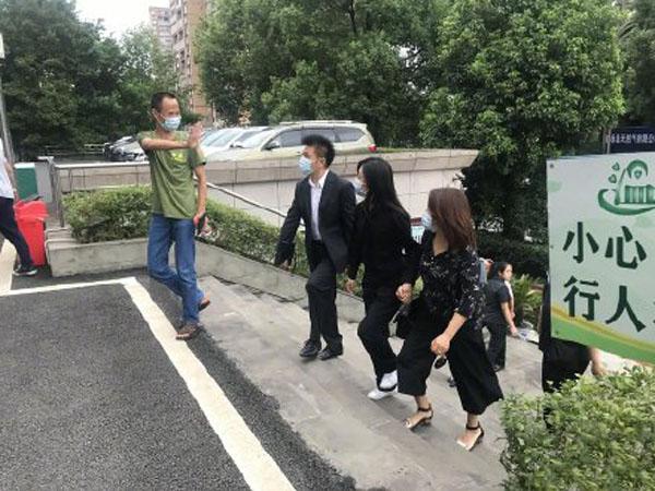 """谭松韵妈妈案子开庭似乎并不顺利,后援团发文质问""""消失的证据"""""""